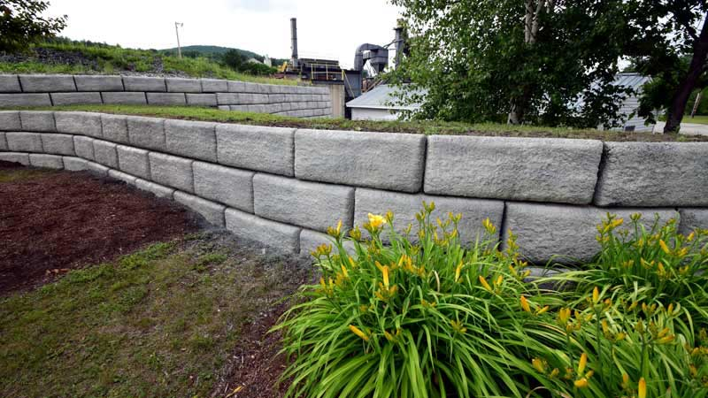 Cascade Mountain Granite Redi-Rock® Retaining Wall Project