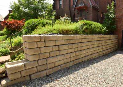 Residential Driveway Wall Redi-Rock Cobblestone Custom Color