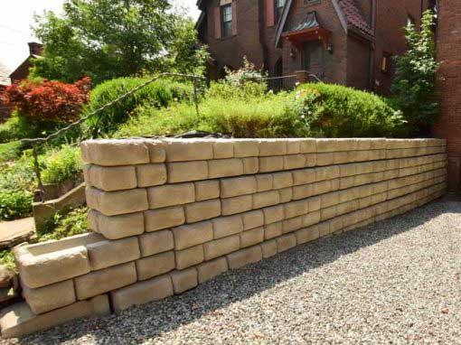 Residential Driveway Wall Redi-Rock Cobblestone Custom Color