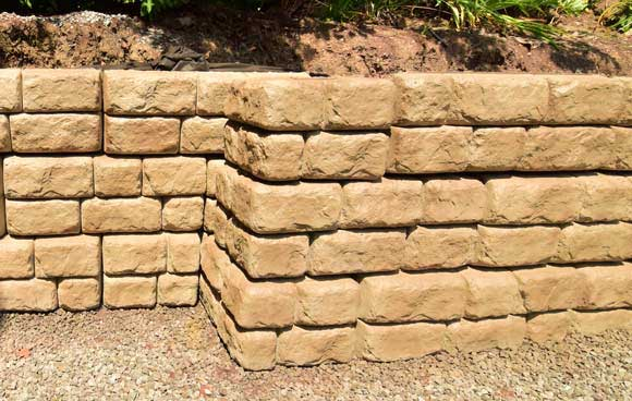 Redi-Rock Cobblestone Custom Color Residential Driveway Wall Project ...