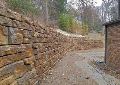 Residential Redi-Rock Walls Blend in to Nature