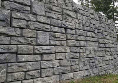 05-After-Custom-color-Transforms-Redi-Rock-to-Mansfield-Summit-Gray-to-match-Mount-Mansfield-where-the-wall-was-constructed